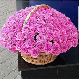 Корзина 101 розовая роза с оформлением R940