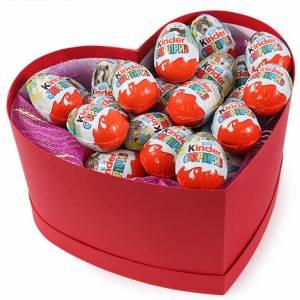 Сладкая коробка сердце с киндер-сюрпризами R227